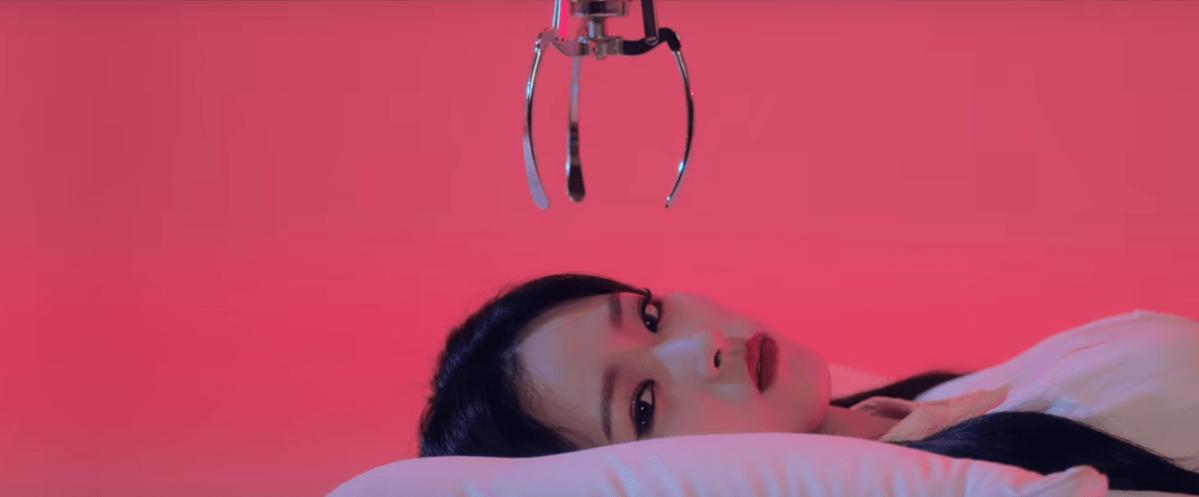 Olivia Hye (LOONA): Egoist (feat. JinSoul) Review